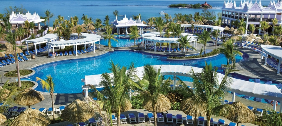 , Jamaica vs. The Bahamas, Phenomenal Place