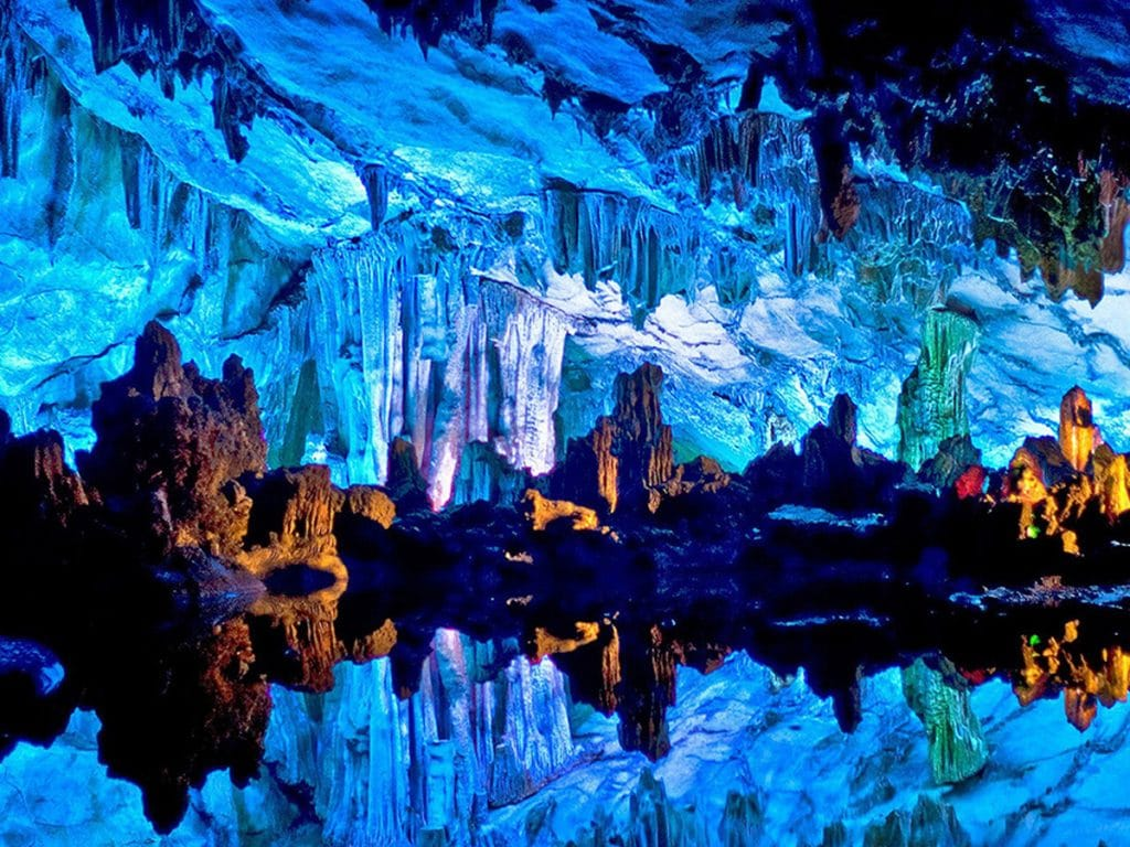 Amazing Caves in the World, 10 of the Most Amazing Caves in the World, Phenomenal Place