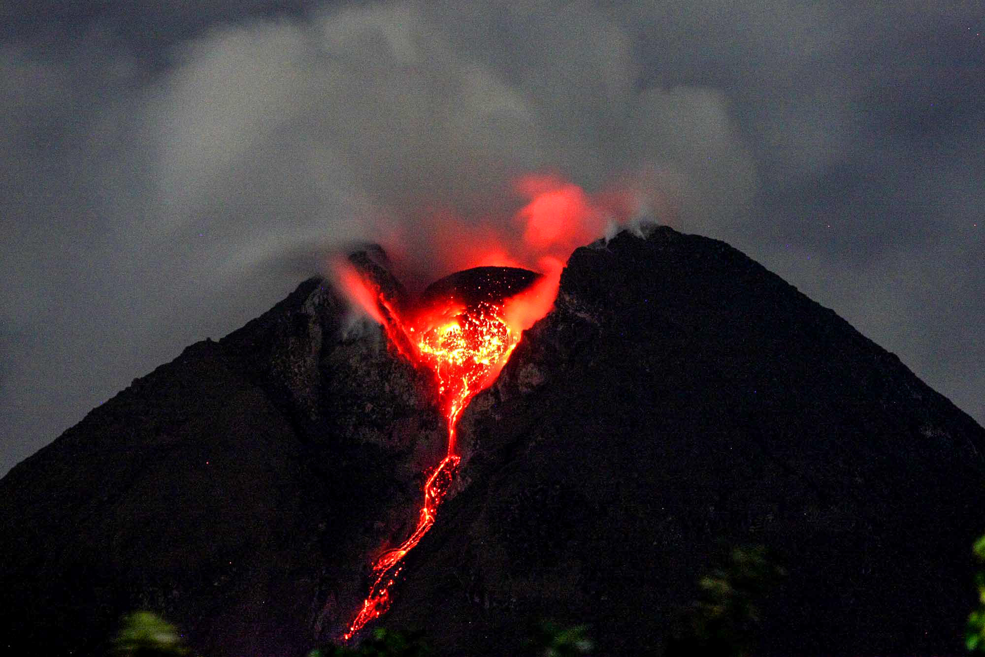 Dangerous Volcanoes, The 10 Most Dangerous Volcanoes in the World, Phenomenal Place